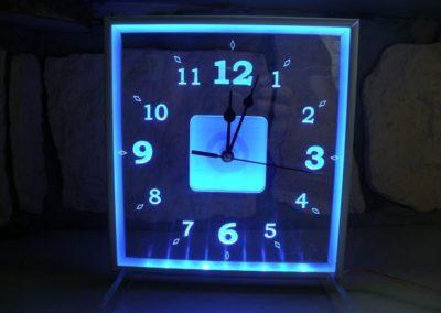 grawerowane laserem zegar