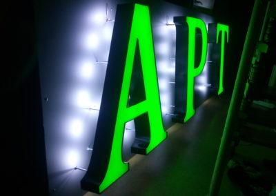 podświetlane litery 3d dla aptek